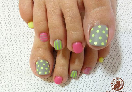 15-Spring-Toe-Nail-Art-Designs-Ideas-Stickers-2016-2