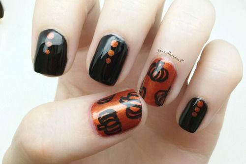 15-Halloween-Pumpkin-Nails-Art-Designs-2016-11