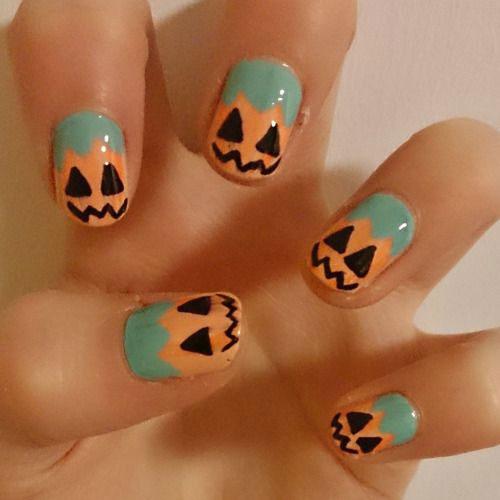 15-Halloween-Pumpkin-Nails-Art-Designs-2016-15