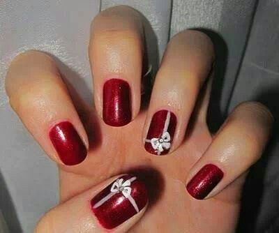 18 christmas present nail art designs ideas 2016 xmas nails fabulous nail art designs. Black Bedroom Furniture Sets. Home Design Ideas