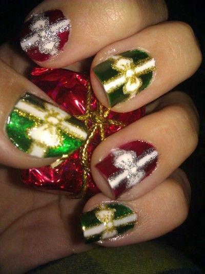 18-christmas-present-nail-art-designs-ideas-2016-xmas-nails-16
