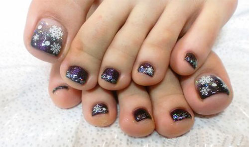 20-best-merry-christmas-toe-nail-art-designs-2016-holiday-nails-5