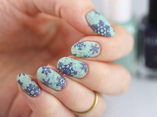 20-christmas-snowflake-nail-art-designs-ideas-2016-xmas-nails-17