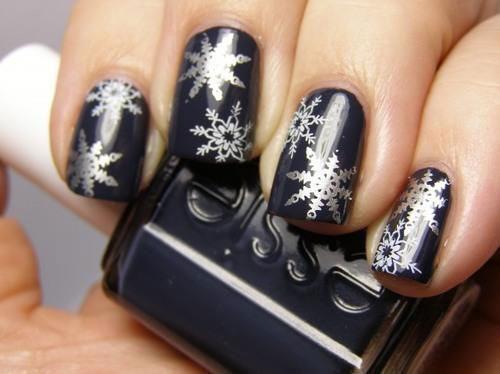20-christmas-snowflake-nail-art-designs-ideas-2016-xmas-nails-2