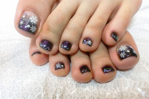 10-winter-toe-nails-art-designs-ideas-2016-2017-10
