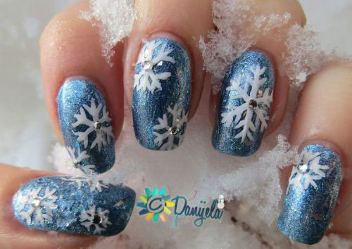 15-winter-snowflakes-nail-art-designs-ideas-2016-2017-15
