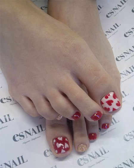 15-Valentines-Day-Toe-Nail-Art-Designs-Ideas-2017-Vday-Nails-12
