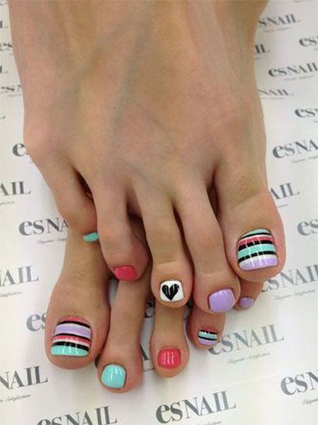 15-Valentines-Day-Toe-Nail-Art-Designs-Ideas-2017-Vday-Nails-13