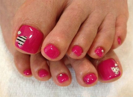 15-Valentines-Day-Toe-Nail-Art-Designs-Ideas-2017-Vday-Nails-2