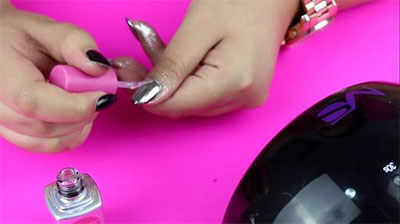 Easy-Simple-Chrome-Nail-Art-Tutorials-For-Beginners-2017-3