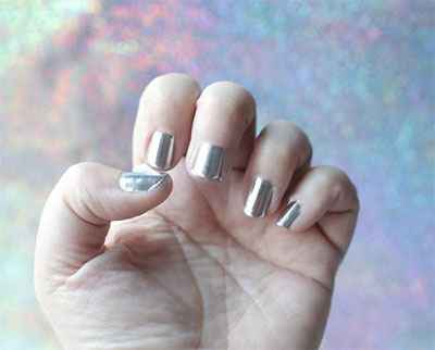 Easy-Simple-Chrome-Nail-Art-Tutorials-For-Beginners-2017-5
