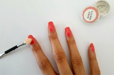 Easy-Simple-Chrome-Nail-Art-Tutorials-For-Beginners-2017-9