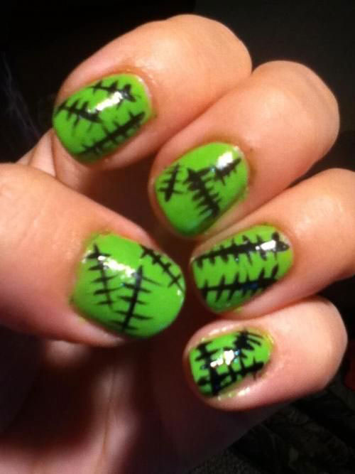 15-Easy-Simple-Halloween-Nails-Art-Designs-Ideas-2017-13