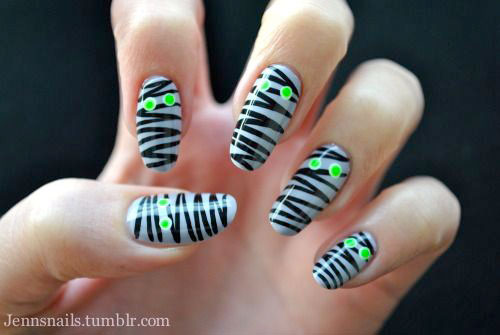 15-Halloween-Mummy-Nails-Art-Designs-Ideas-2017-14