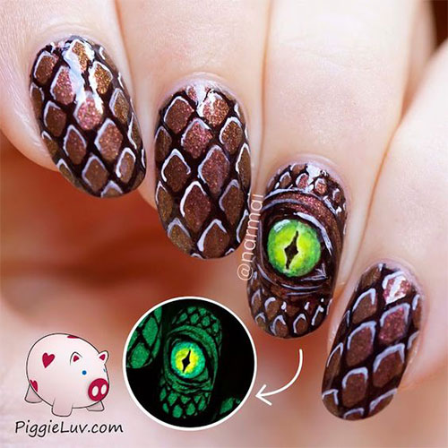18-Halloween-Spooky-Nails-Art-Designs-Ideas-2017-17