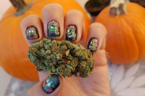 18-Halloween-Zombie-Nails-Art-Designs-Ideas-2017-11