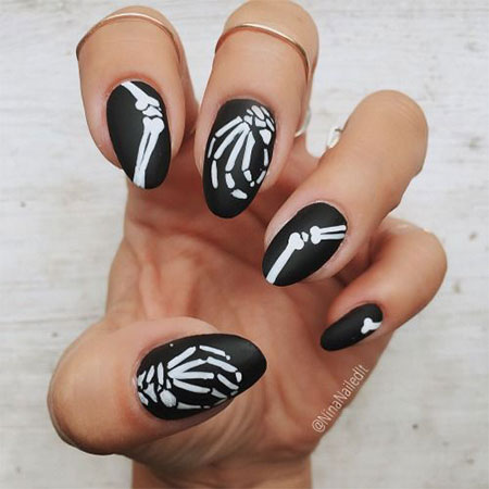 30-Best-Halloween-Nails-Art-Designs-Ideas-2017-16