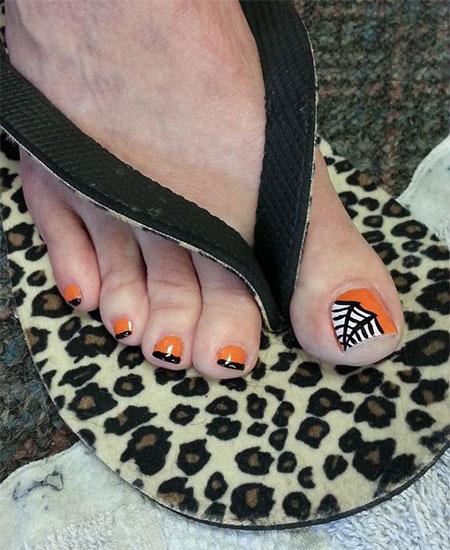 15-Halloween-Toe-Nails-Art-Designs-Ideas-2017-10