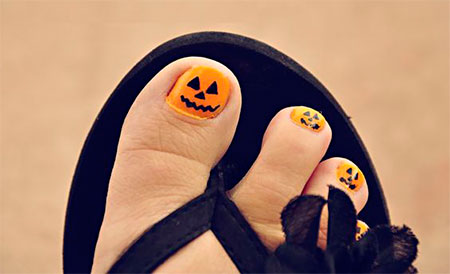 15-Halloween-Toe-Nails-Art-Designs-Ideas-2017-14