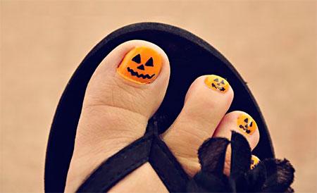 15-Halloween-Toe-Nails-Art-Designs-Ideas-2017-14