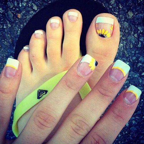 15-Spring-Toe-Nails-Art-Designs-Ideas-2018-4
