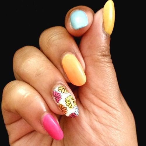 18-Simple-Easy-Spring-Nails-Art-Designs-Ideas-2018-9