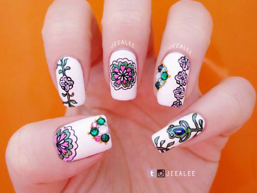 20-Spring-Floral-Nails-Art-Designs-&-Ideas-2018-1