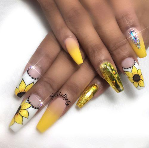 20-Spring-Floral-Nails-Art-Designs-&-Ideas-2018-17