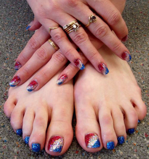 4th-of-July-Toe-Nails-Art-Designs-Ideas-2018-1