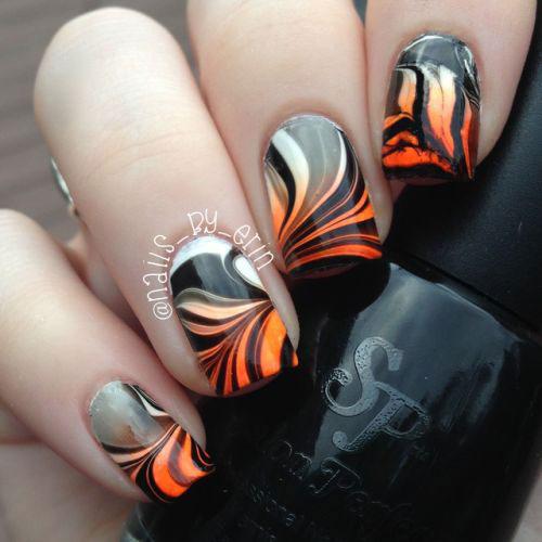 10-Black-White-Red-Halloween-Nails-Art-Designs-Ideas-2018-7