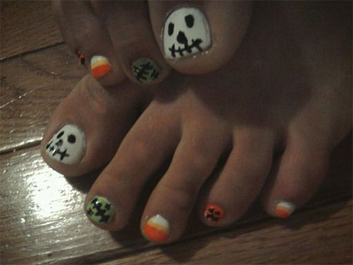 12-Halloween-Toe-Nails-Art-Designs-Ideas-2018-15