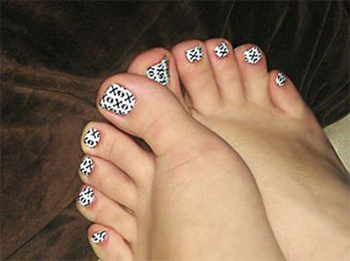 12-Halloween-Toe-Nails-Art-Designs-Ideas-2018-4