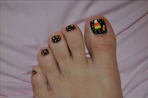 12-Halloween-Toe-Nails-Art-Designs-Ideas-2018-5