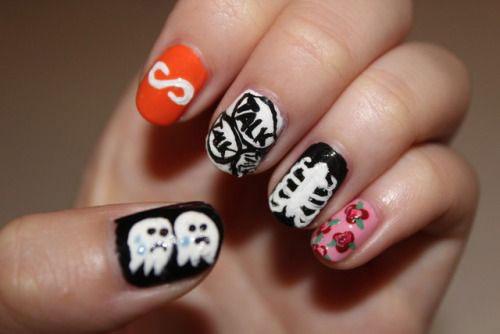 15-Halloween-Ghost-Nails-Art-Designs-Ideas-2018-18