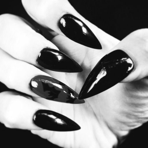 15-Halloween-Witch-Nails-Art-Designs-Ideas-2018-11