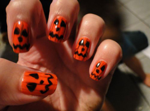 18-Cute-Halloween-Pumpkin-Nails-Art-Designs-Ideas-2018-13