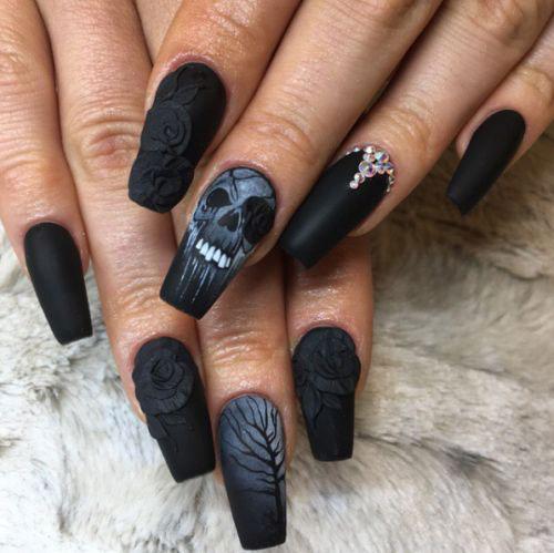 Halloween-Skull-Nails-Art-Designs-Ideas-2018-7