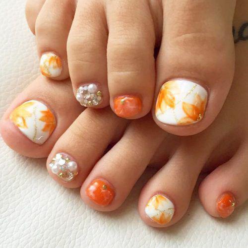 Autumn-Toe-Nail-Art-Designs-Ideas-2018-Fall-Nails-6