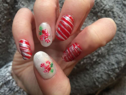 15-Simple-Easy-Christmas-Nails-Art-Designs-Ideas-2018-15