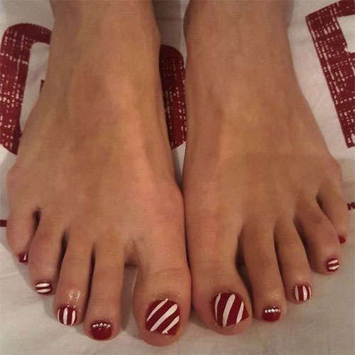 20-Christmas-Toe-Nail-Art-Designs-Ideas-Stickers-2018-Xmas-Nails-12