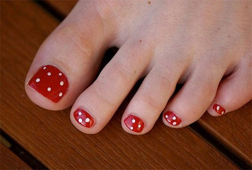 20-Christmas-Toe-Nail-Art-Designs-Ideas-Stickers-2018-Xmas-Nails-21