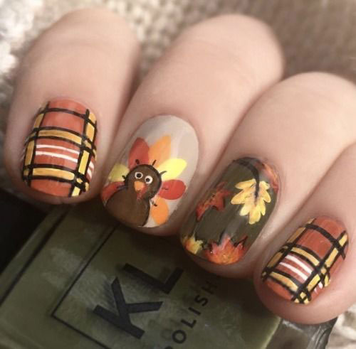 20-Happy-Thanksgiving-Nails-Art-Designs-Ideas-2018-1