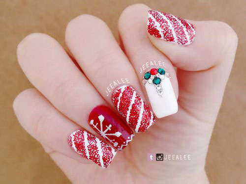 Christmas-Glitter-Acrylic-Nail-Art-Designs-2018-Xmas-Nails-9