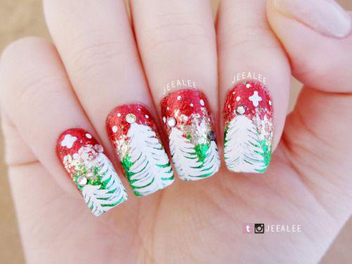 Christmas-Tree-Nail-Art-Designs-Ideas-2018-Xmas-Nails-13