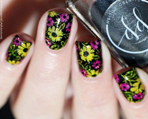 20-Spring-Floral-Nails-Art-Designs-Ideas-2019-17