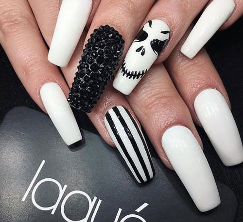 15-Black-White-Red-Halloween-Nails-Art-Designs-Ideas-2019-4