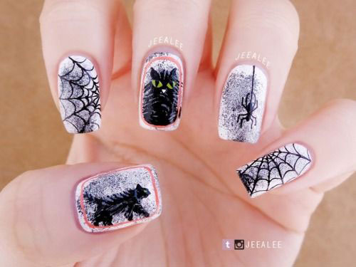 15-Black-White-Red-Halloween-Nails-Art-Designs-Ideas-2019-5