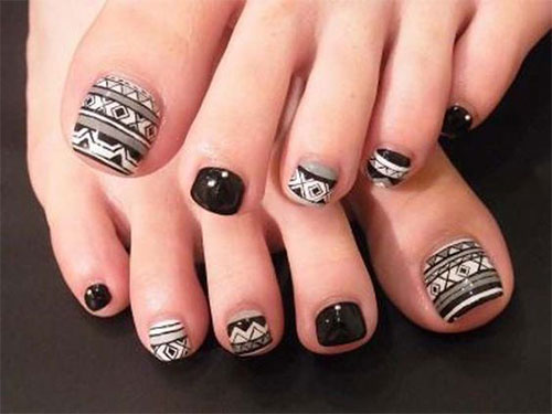 Halloween-Toe-Nails-Art-Designs-2019-1