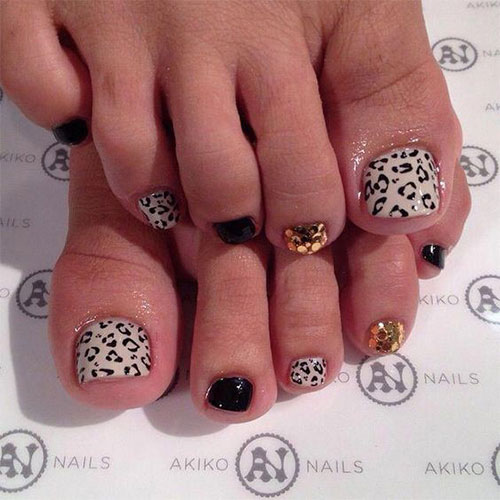 Halloween-Toe-Nails-Art-Designs-2019-4