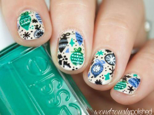 Christmas-Ornament-Nail-Art-Designs-Ideas-2019-9